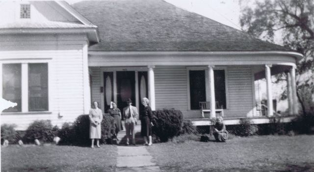 John B. Goyen's home in Nacogdoches, Tx. This photo taken March 25, 1961 - L to R Rosine (Martin) Adams, Sammie Tipton Evens, Roy and Nina (Dent) Tipton, Dorothy Tipton (stooped thinking she wasn't in shot)